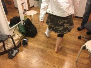 アキレス腱断裂歩行治療中の様子