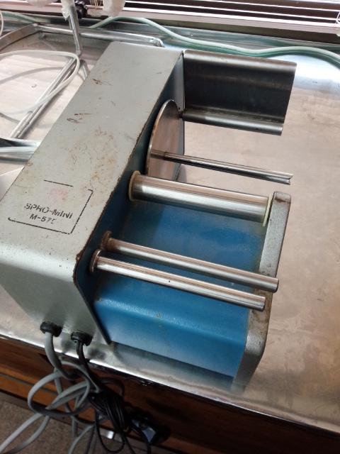 サンヨー製の包帯巻き機